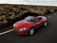 Vantage Roadster road / Aston Martin
