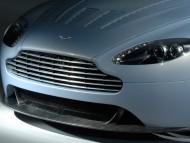 vantage V12 hood / Aston Martin