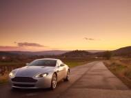 AM Vantage V8 road / Aston Martin