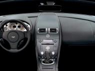 AM Vantage V8 dashboard / Aston Martin