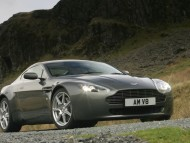 AM Vantage V8 mountains / Aston Martin