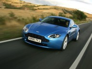 AM Vantage V8 blue road / Aston Martin