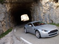 AM Vantage V8 tunnel / Aston Martin