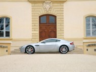 AM Vantage V8 silver side / Aston Martin