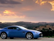 AM Vantage V8 blue side / Aston Martin