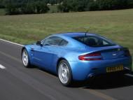 AM Vantage V8 blue / Aston Martin