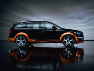 black jeep orange fender side / Audi