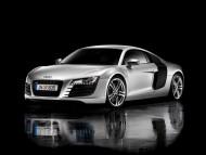 R8 silver coupe / Audi