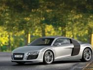 R8 road outdoor / Audi