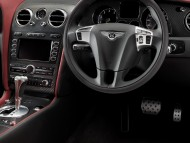 dashboard car interior / Bentley
