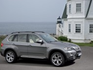 X5 jeep grey side / Bmw