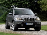 X5 jeep grey front / Bmw