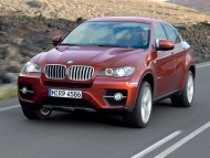 X6 red front road / Bmw