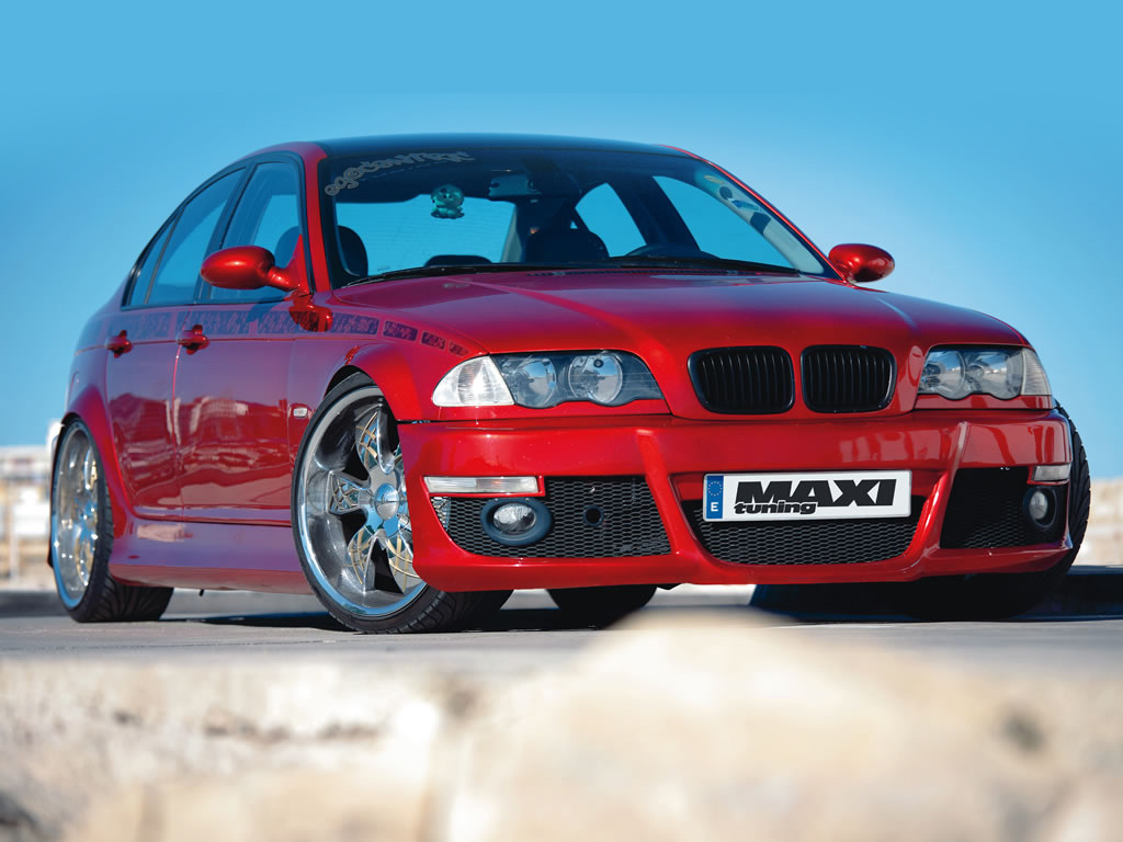 Full size red maxi tuning Bmw