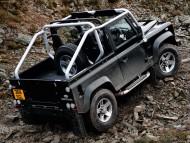 Download Defender black jeep on lack of roads / Land Rover