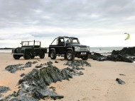 two jeeps old and newest / Land Rover