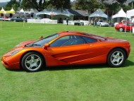 orange supercar / McLaren