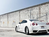 All White Nissan GTR / Nissan