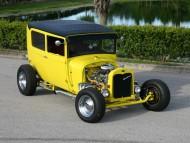 hot rod yellow / Retro Cars