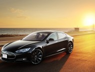 Tesla Model S at sunset / Tesla