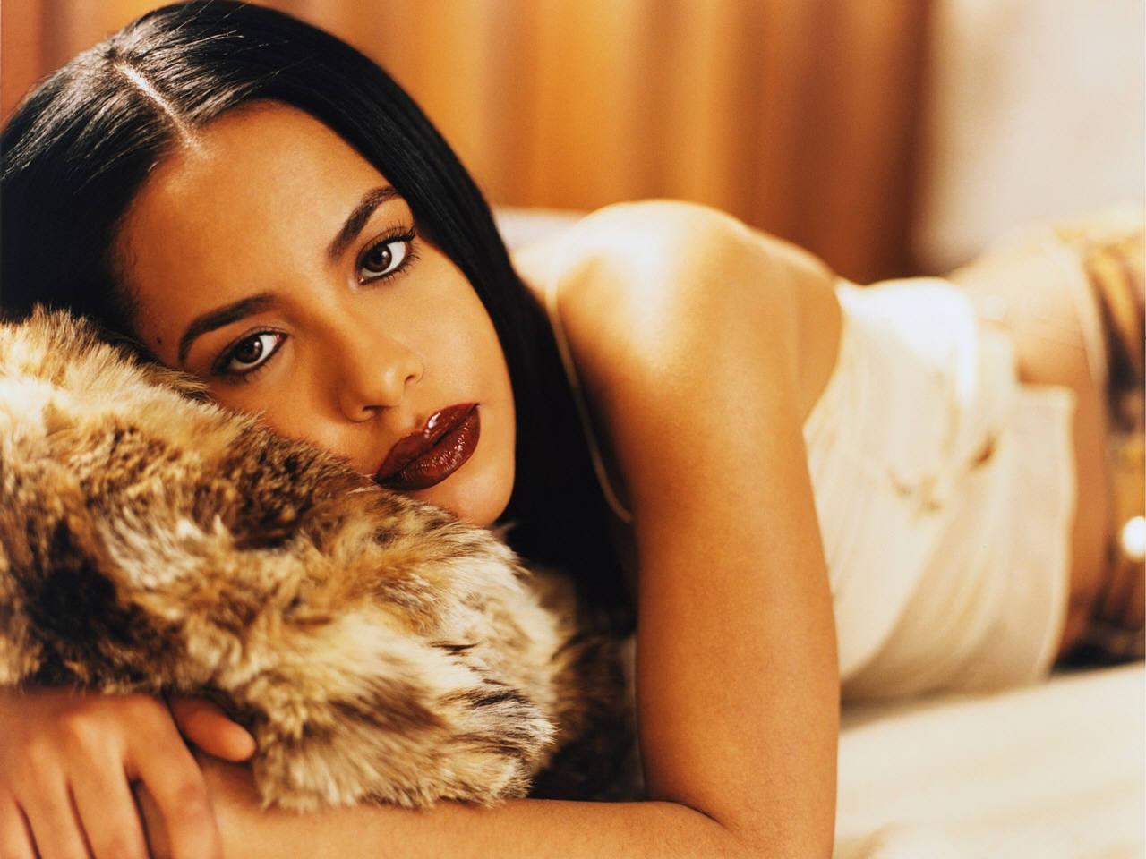 Download full size Aaliyah wallpaper / Celebrities Female / 1280x960