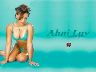 Download Ahni Luv / Celebrities Female
