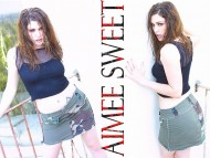 Aimee Sweet / Celebrities Female