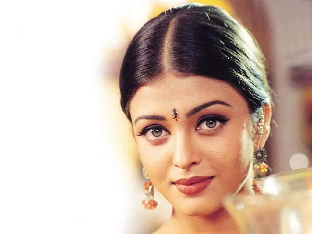 Download Aishwarya Rai / Celebrities Female wallpaper / 1024x768