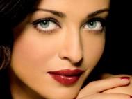 essential look / Aishwarya Rai