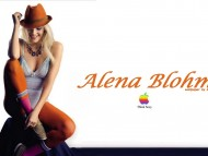 Alena Blohm / Celebrities Female