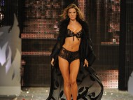 Download Alessandra Ambrosio / HQ Celebrities Female