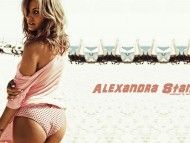 High quality Alexandra Stan  / Celebrities Female