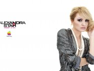Download Alexandra Stan / Celebrities Female