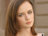 Alexis Bledel / Celebrities Female