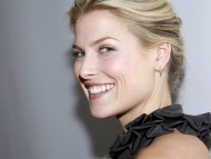 Download Ali Larter / Celebrities Female