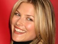 smile / Ali Larter