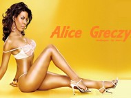 Alice Greczyn / Celebrities Female