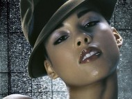 hat / Alicia Keys
