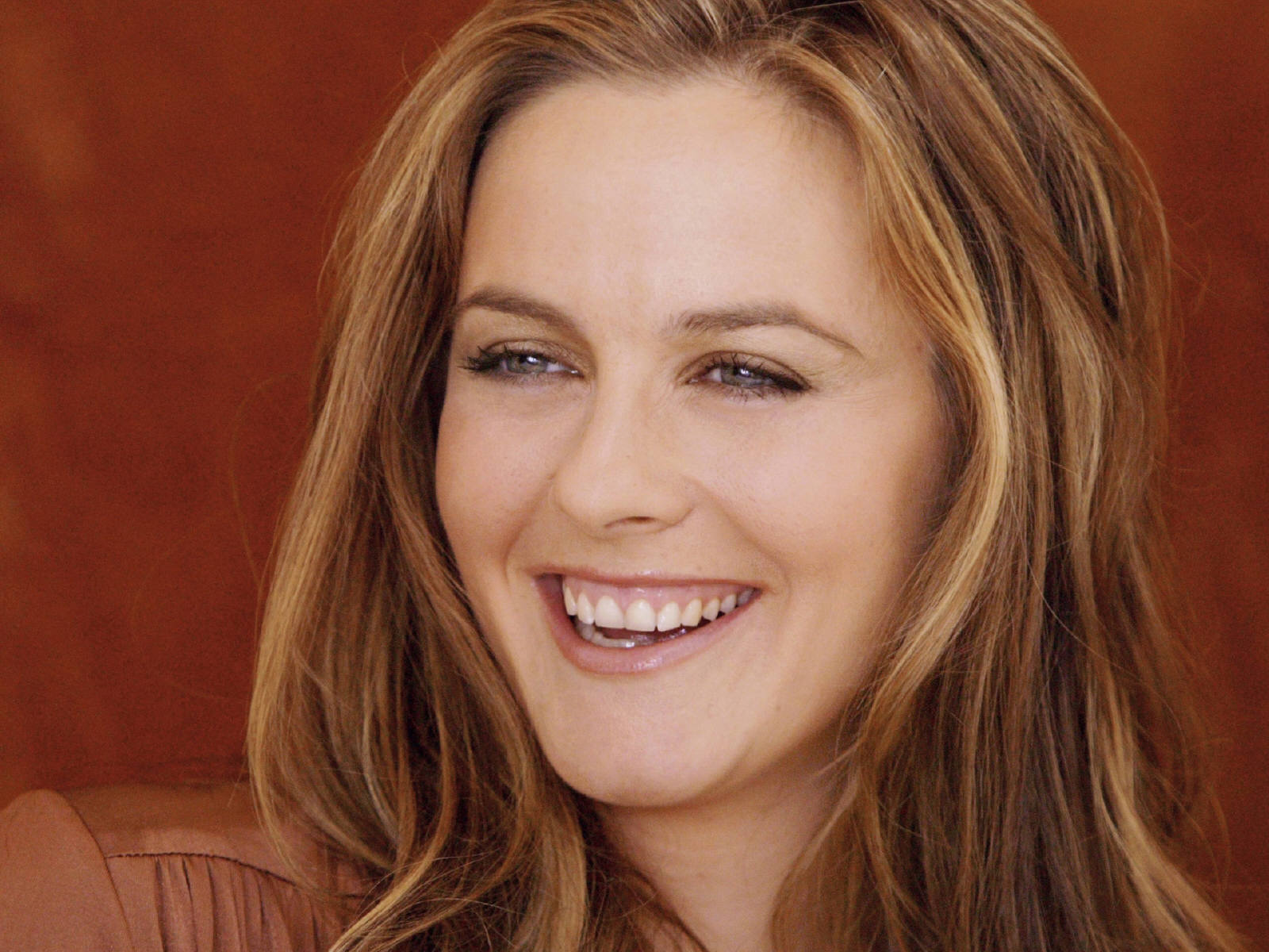 Alicia Silverstone Hairstyles Pictures, Long Hairstyle 2011, Hairstyle 2011, New Long Hairstyle 2011, Celebrity Long Hairstyles 2046