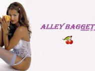 Alley Bagget / Celebrities Female