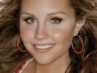 Amanda Bynes / Celebrities Female
