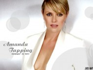 Amanda Tapping / Celebrities Female