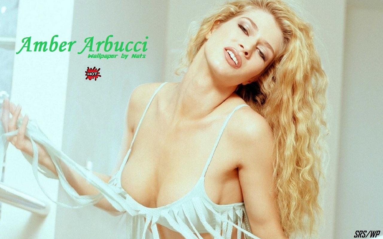 Free nude amber arbucci