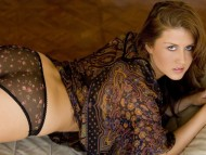 Amie Lou / Celebrities Female