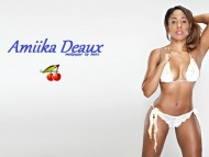 Amiika Deaux / Celebrities Female