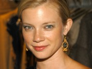 Amy Smart / Celebrities Female