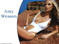 Amy Wesson / Celebrities Female