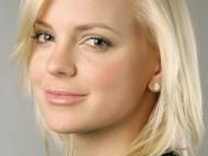 Anna Faris / Celebrities Female