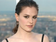 Anna Paquin / Celebrities Female
