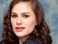 HQ Anna Paquin  / Celebrities Female